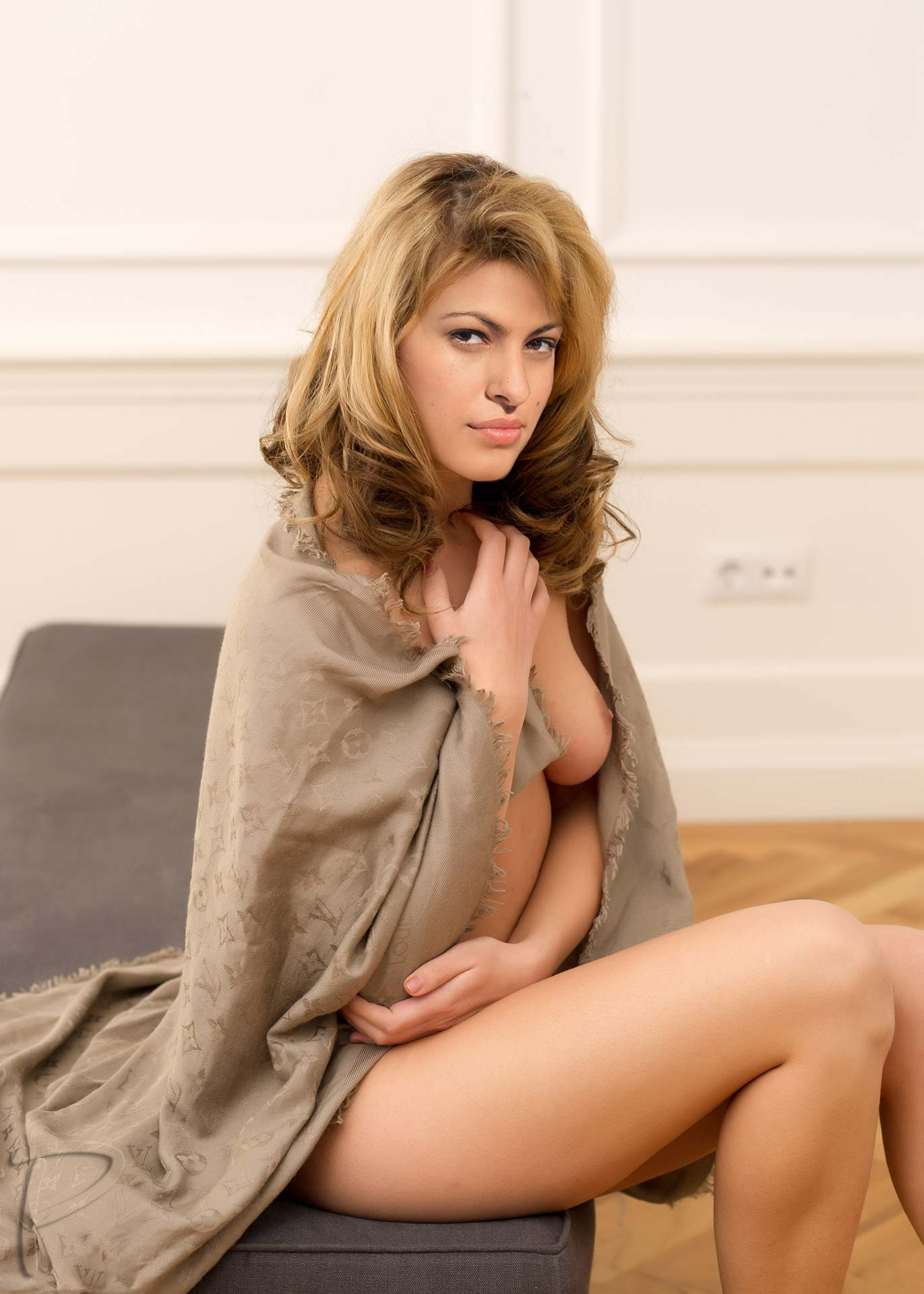 eva-mendes-naked-with-asian-femdom-whipping